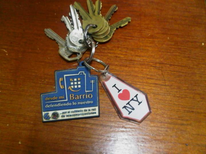 Mis llaves y los llaveros que me regalan Liliam Marrero (izq.) y Elaine Díaz (der,)